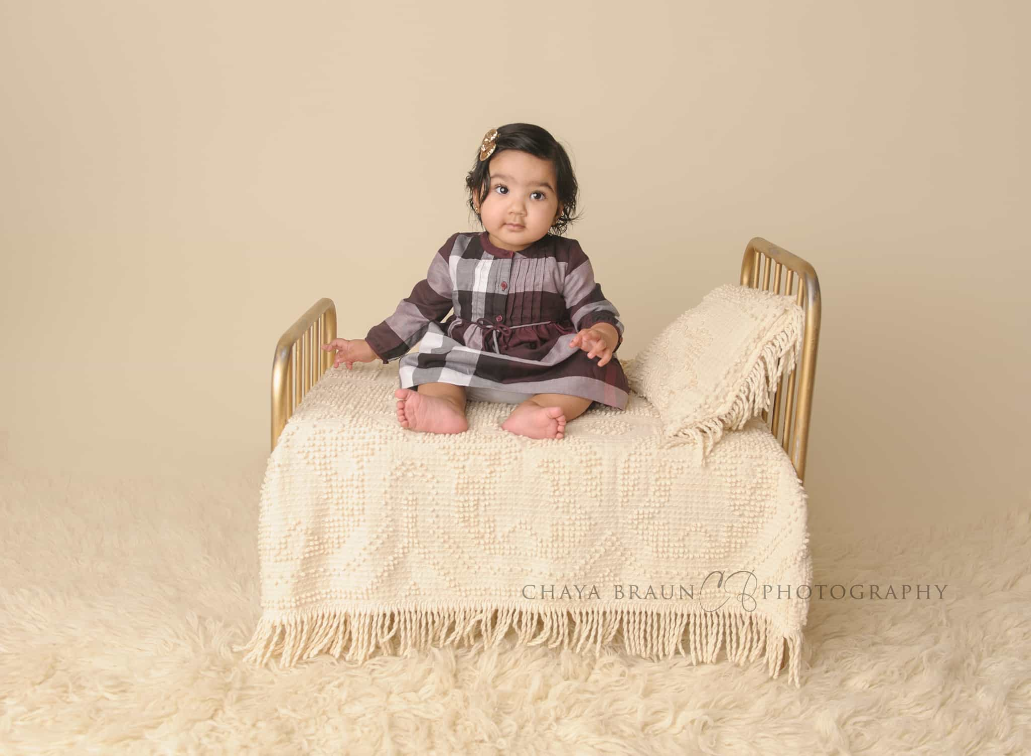 baby poses for 8 month old babies