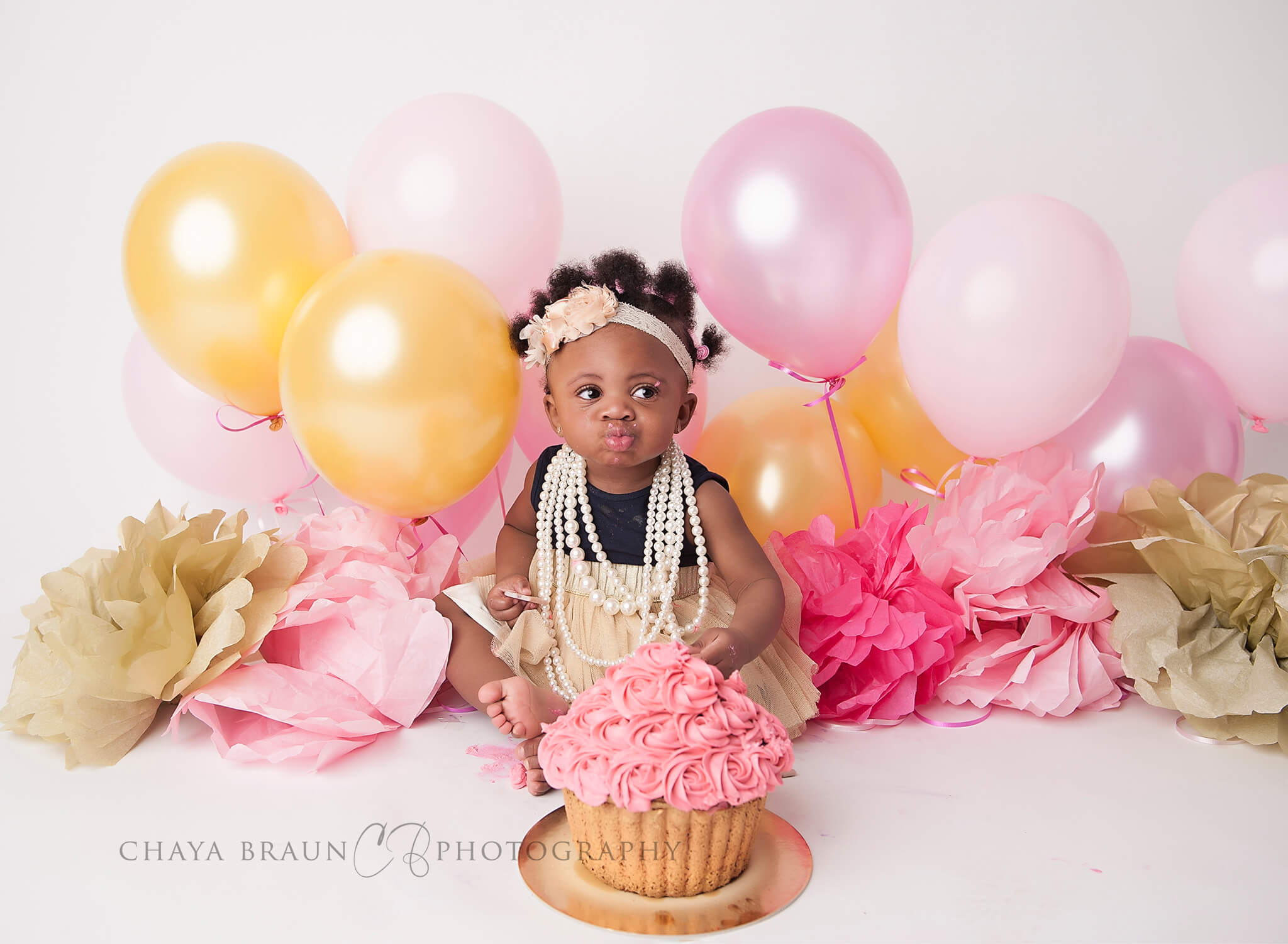 pink and gold cake smash birthday session