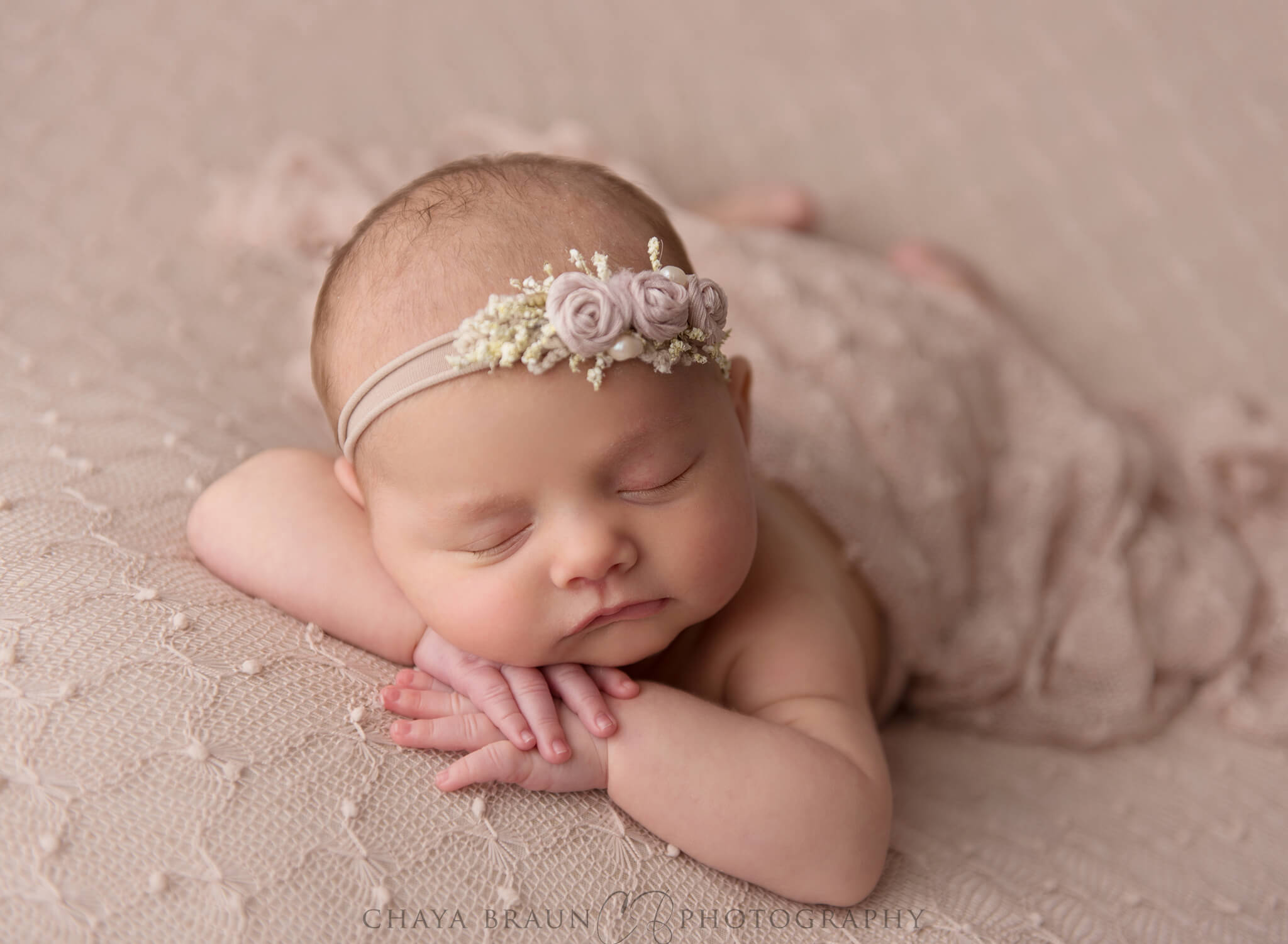 5 week old sleeping newborn baby